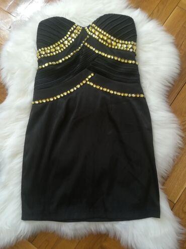 Top haljina u odličnom stanju nošena je samo jednom