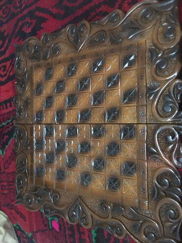 Доска для «Нард и Шахмат»  старинная в отличном состоянии Красивый рис