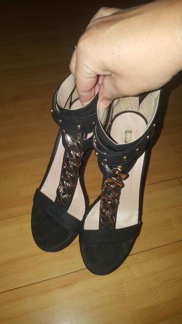 Novo. sandale. 38 broj. placene 40e