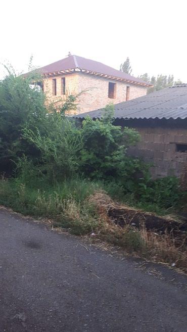 продам вагончик на колесах в Кыргызстан: Продаю 2эт.дом под отделку. участок 9 соток. в покровке. от трассы 2