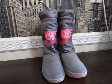 Новые женские сапоги 37,5 размера. Оригинал Nike