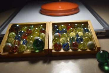 Παιδικά αντικείμενα σε Ελλαδα: Κανονικοί και μεγάλοι βόλοι σε τέλεια κατάσταση! 3 μεγάλοι και 45