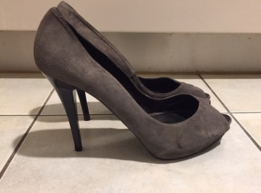 Zara suede ανθρακί peep toes . Καινούργια σε Rest of Attica