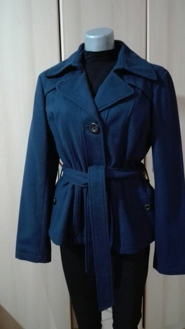 Vero moda kaput vel 40/l,kao nov,cist,spreman za nosenje. Ramena 46 - Pancevo