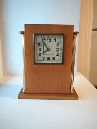 Bakı şəhərində Настольные часы с боем. 1958 год. Имеется паспорт.