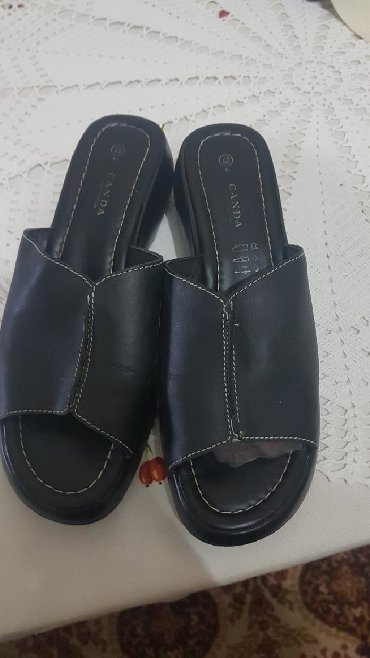 Papuce iz pariza - Srbija: NOVE. Papuce,broj 40 ali je manji kalup pa su 39,kvalitetne,udobne,iz
