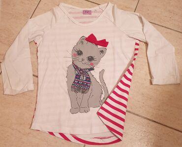 F&F preslatka majica dugih rukava sa macom i mašnom, pozadi