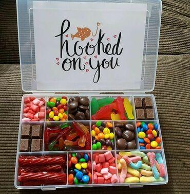 Kutije sreče po specijalnim cenama.Vi birate slatkise i posvetu.Vise