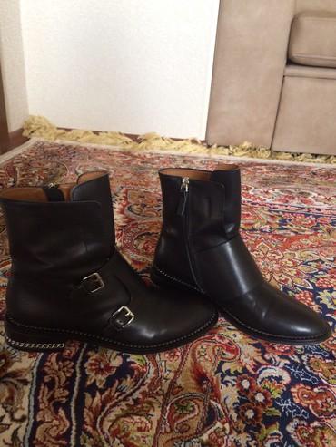 Женская обувь в Ат-Башы: Полусапоги на 38р. в отл. состочнии. Не смогла надеть оказ. маленьким