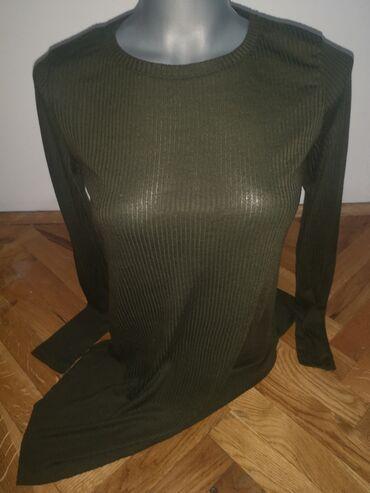 Majica xs - Srbija: Majicica asimetrična i jako zanimljiva u maslinastoj boji velicina xs