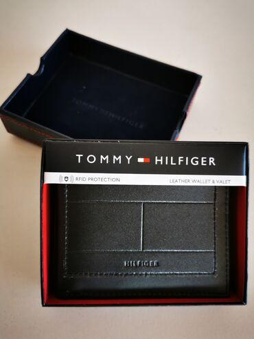 Kozni novcanici - Srbija: Tommy Hilfiger muski kozni novcanik crni 5Nov, original. Od prave koze
