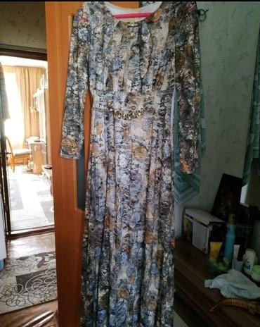 золотое платье в пол в Кыргызстан: Платье в пол Размер 46 Мало ношеные Самовывоз мкр Асанбай