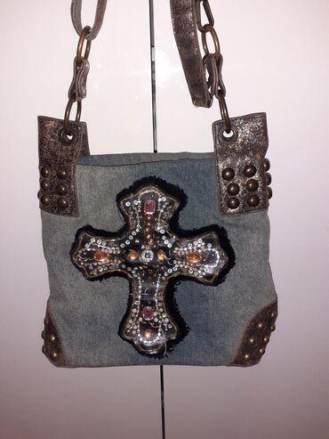 Nova ne korišćena torba iz Italije sa ručno uradjenim krstom na