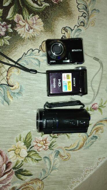 фотоаппарат зоркий в Азербайджан: Hamiwi iwlekdi,batareyalari adapterleri var. Deyiwmek de olar,nese