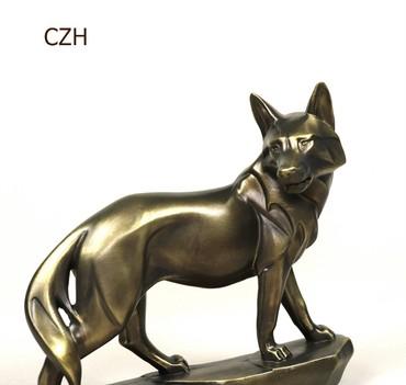 подарок девушке в Азербайджан: Декор подарок- скульптура-волк