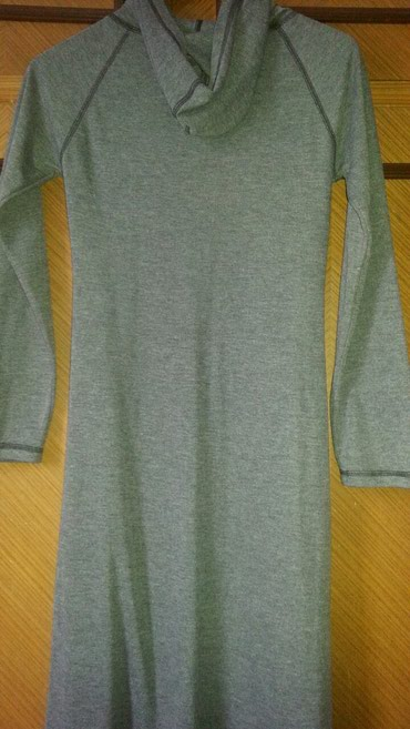 Povoljno 065/4302132 prodajem sivu haljinu sa kapuljacom. Proizvedena - Trstenik