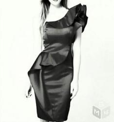 черное платье турция в Кыргызстан: Новое эффектное черное атласное коктейльное платье (Турция), размер m