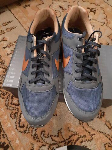 nike low в Кыргызстан: Продаю обувь 44 размера с Турции (Nike) торг возможен