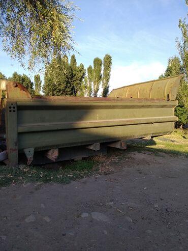 Грузовой и с/х транспорт в Ак-Джол: Продаю самосвальный кузов то МАЗ в комплекте цилиндр кранштейн длина