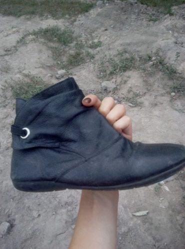 Продаю детскую обувь, недорого. в Бишкек