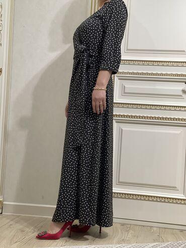 Шикарное платье в горошек 42го размера! Надевали пару раз, в отличном