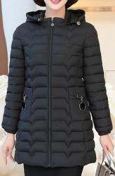Куртки - Кыргызстан: Новые женские куртки на 2фото (черная) такая же бордовая 4ХL на 3фото