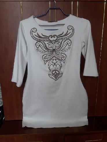 длинное белое платье в Кыргызстан: Турецкое белое платье. Длина до колен. Ткань стричь. Размер 42