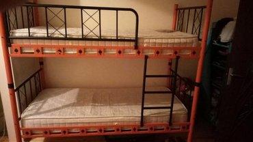 Bakı şəhərində Двухъярусная металлическая кровать. Можно использовать и как две