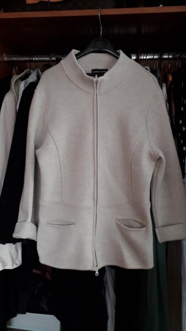 Kvalitetna jakna.. kardigan.. nemacki brend  br l.. ocuvano.. kao novo - Crvenka
