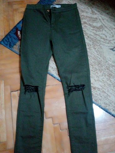 Nove zelene pantalone. Veličina 27 - Lazarevac