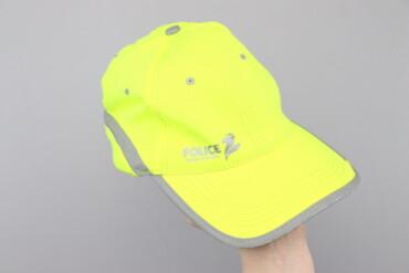 Жіноча яскрава кепка з написом Police    Довжина: 29 см Ширина: 18 см