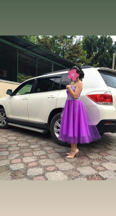 шью на заказ платье в Кыргызстан: Продаю платья, шили на заказ,одевали один раз на выпускной, в живую