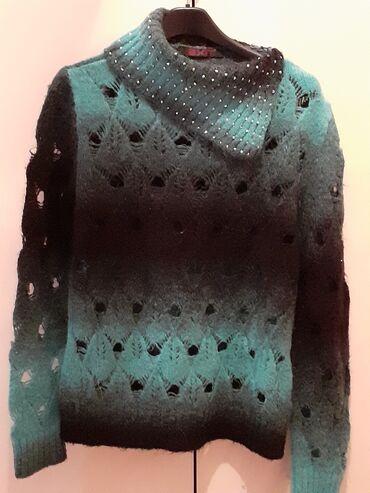 Suknjacine materijal - Srbija: Džemper plus šal od istog materijala-pise vam koji je materijal i koli