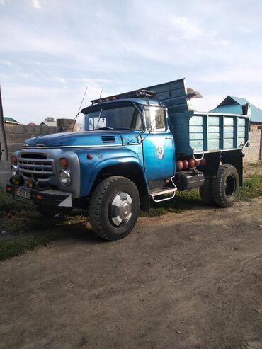 Грузовой и с/х транспорт в Ак-Джол: Продаю ЗИЛ 130 матор Урал 375 газ бензин 9 балконов нашивки багажник