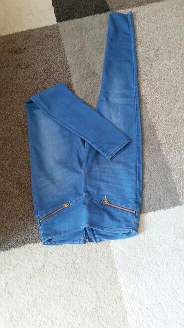 Ženska odeća | Pirot: Farmarke Vero Moda laganog materjala mekane i prijatne .Duboke i