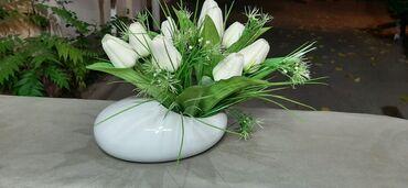 Статуэтка-ваза придаёт уютную атмосферу для любого помещения или дома