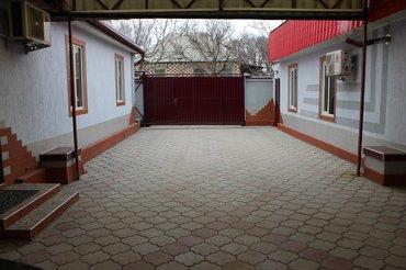 Участок 10 соток (красная книга)2 Дома. Один из 5 комнат (3 спальни в Бишкек
