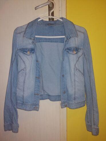 Teksas jaknica bez oštećenja, S-M veličina, jako lepo stoji i očuvano