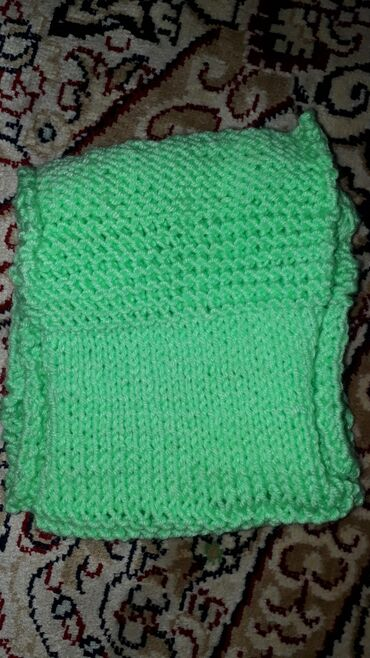 Вязанный шарфсвязанный своими руками . Салатовый цвет 65 см