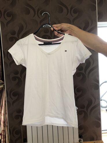 Продаю футболку  Tommy Hilfiger  Размер: 44-46