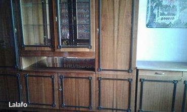 Стенка румынская в отличном состоянии + тумба с ящиком для белья. 5500 в Бишкек - фото 2