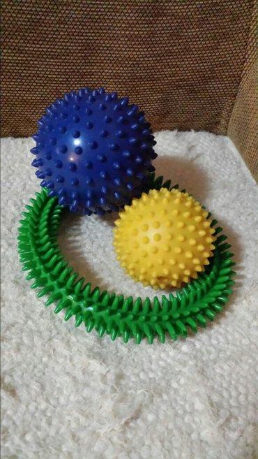 Novi gumeni set za decu, jez lopte prečnika od 7 i 10 cm i zeleni krug - Velika Plana