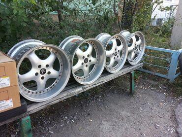 спортивные диски в Кыргызстан: Продаю R17 шикарные, разноширокие, спортивные, кованные, оригинальные
