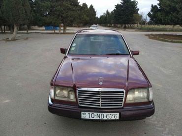 Bakı şəhərində Mersedes E300