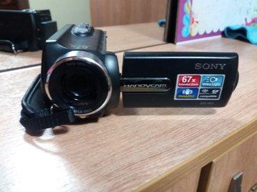 Видеокамера - Кыргызстан: Продам видео камеру. пользовались неделю. в отличном состоянии