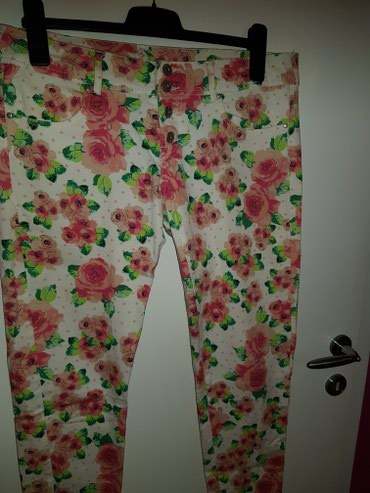 Prelepe cvetne pantalone  veličina L,XL - Odzaci