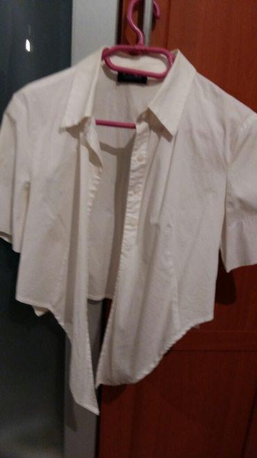 Košulja bele boje na vezivanje i kratka(nošena i očuvana)br - Petrovac na Mlavi