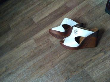 Продаю туфли коричневый, сабо белый в Токмак