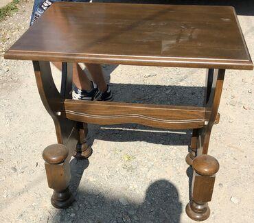 Prodajem polovan dobro ocuvan, drveni tv sto, sa jednim centralnim