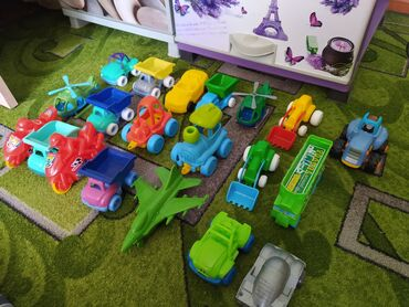 Игрушки в Кызыл-Кия: Баткенская область город Кызыл-Кия, новые игрушки, за всё 400 сом